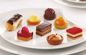 "Art. 144301, Petits Fours ""Tradition"""